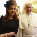 Tanto Cristina Kirchner como el Papa Francisco, intercambiaron algunos regalos