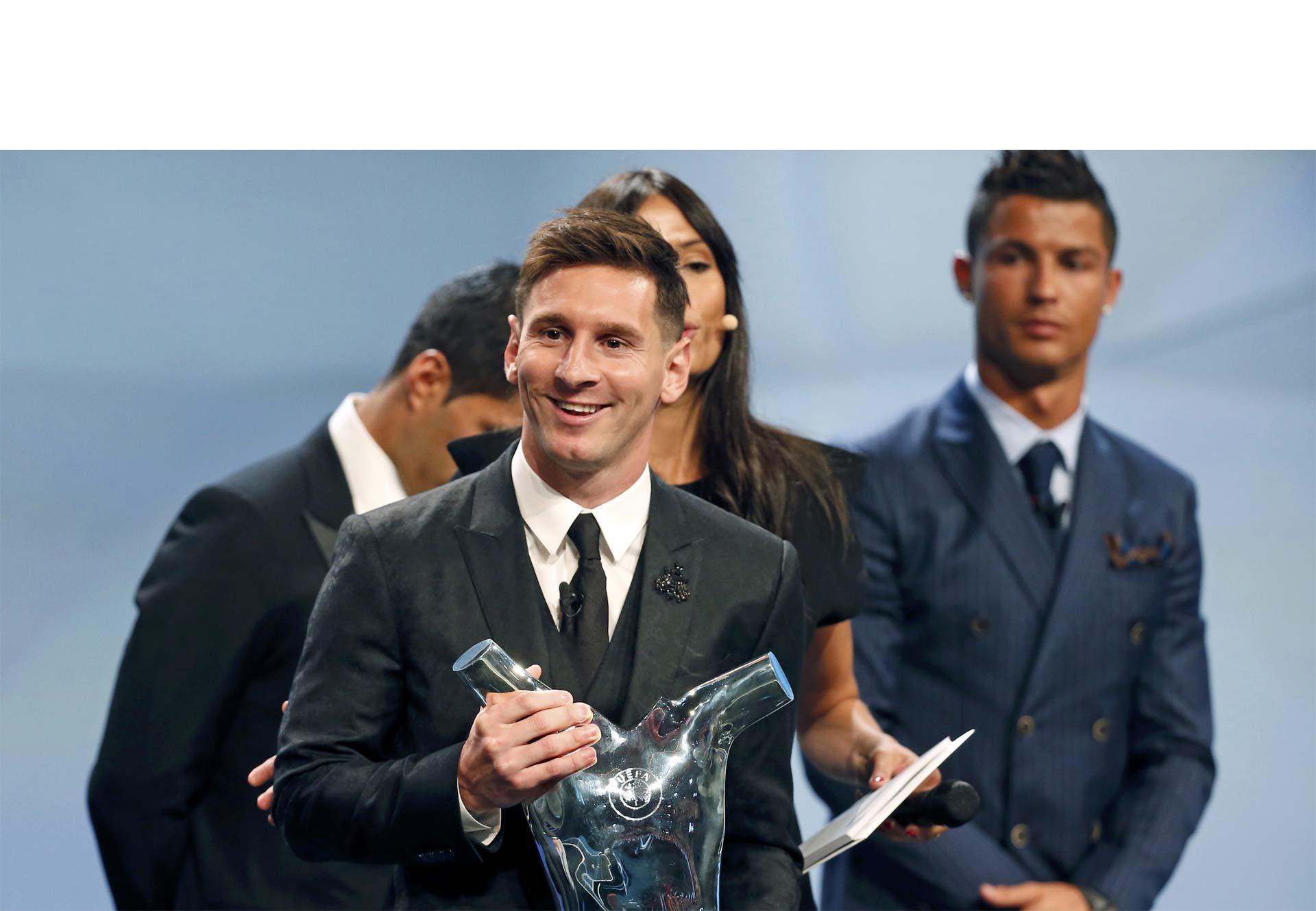 El argentino fue premiado en la gala de la UEFA luego del sorteo de la Liga de Campeones 2015/16