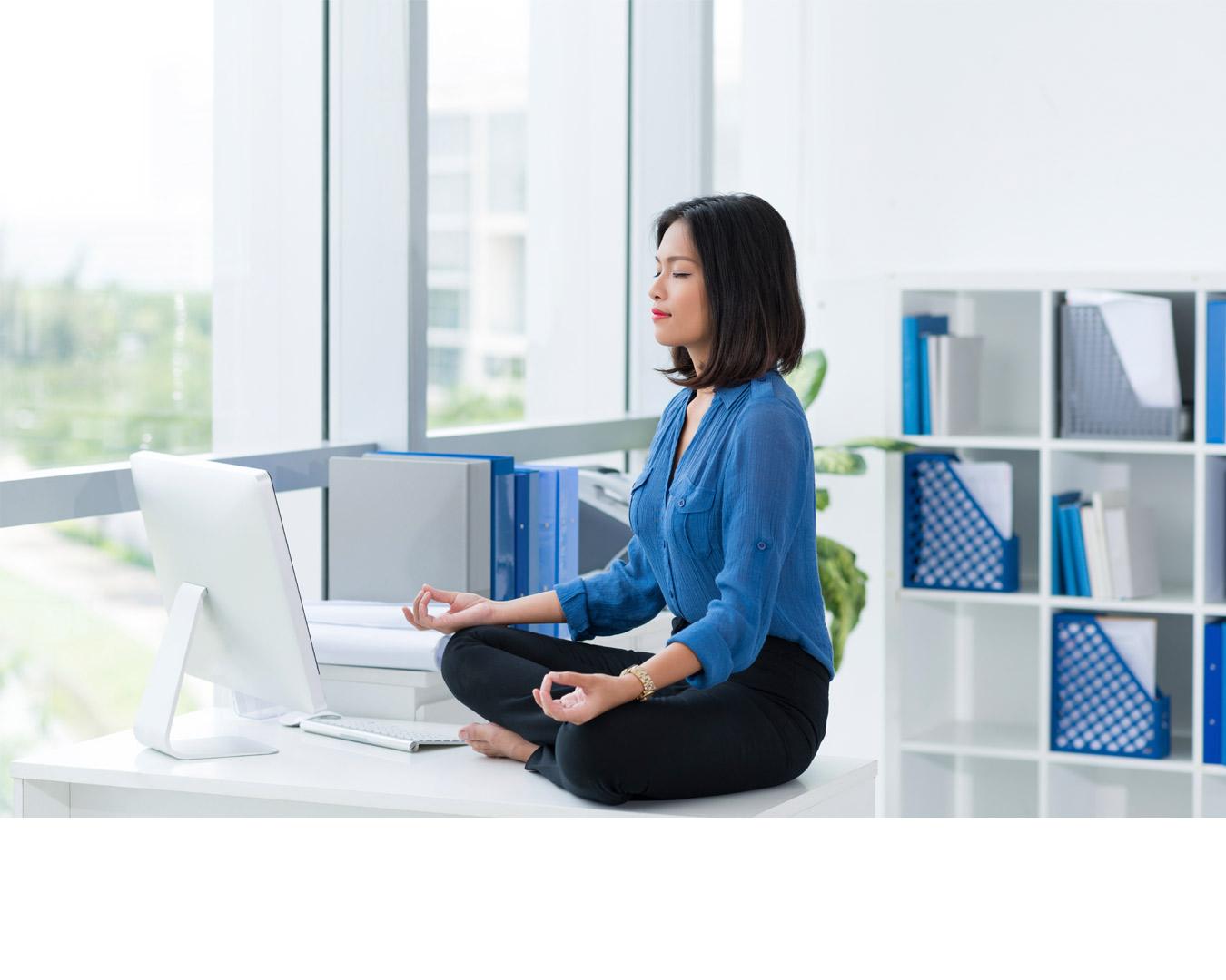 Olvídate de las preocupaciones con estos ejercicios para relajar la mente y centrarse en el presente