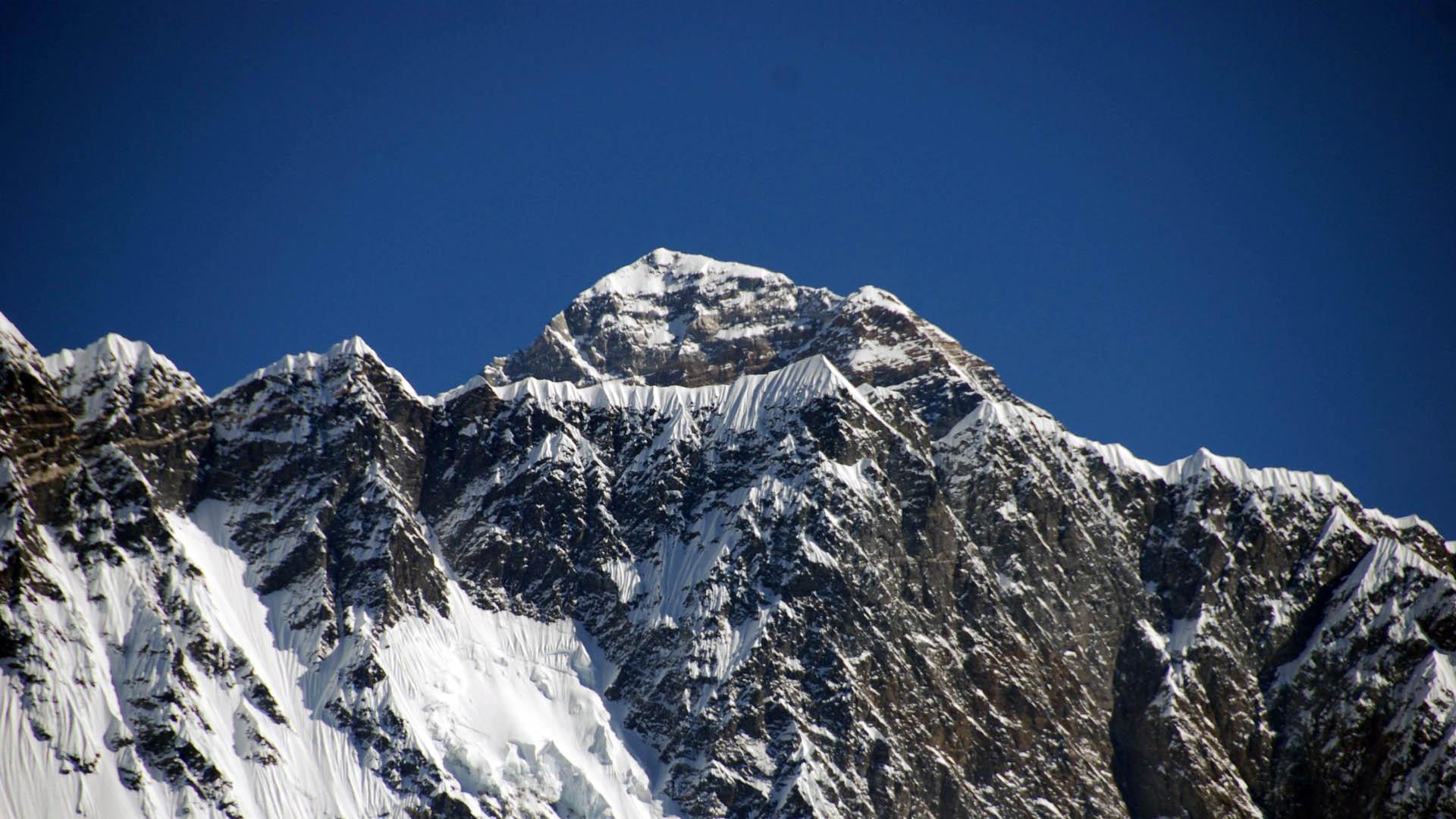 Este 25 de septiembre un grupo de mantañistas nacionales da inicio a una larga aventura que tiene como destino el valle del Khumbu, Nepal