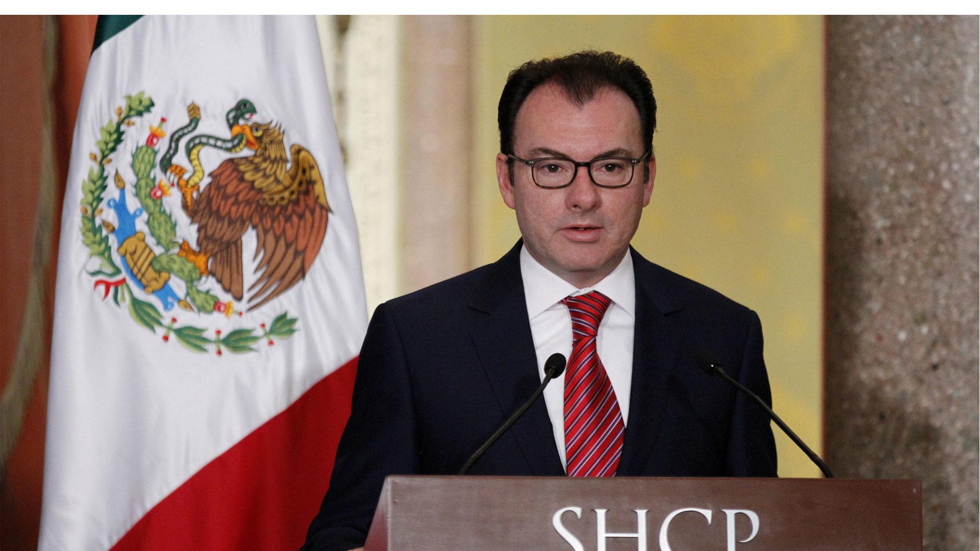 Para ahorrar, el plan del secretario de Hacienda de México, Luis Videgaray, también plantea disminuir el déficit fiscal