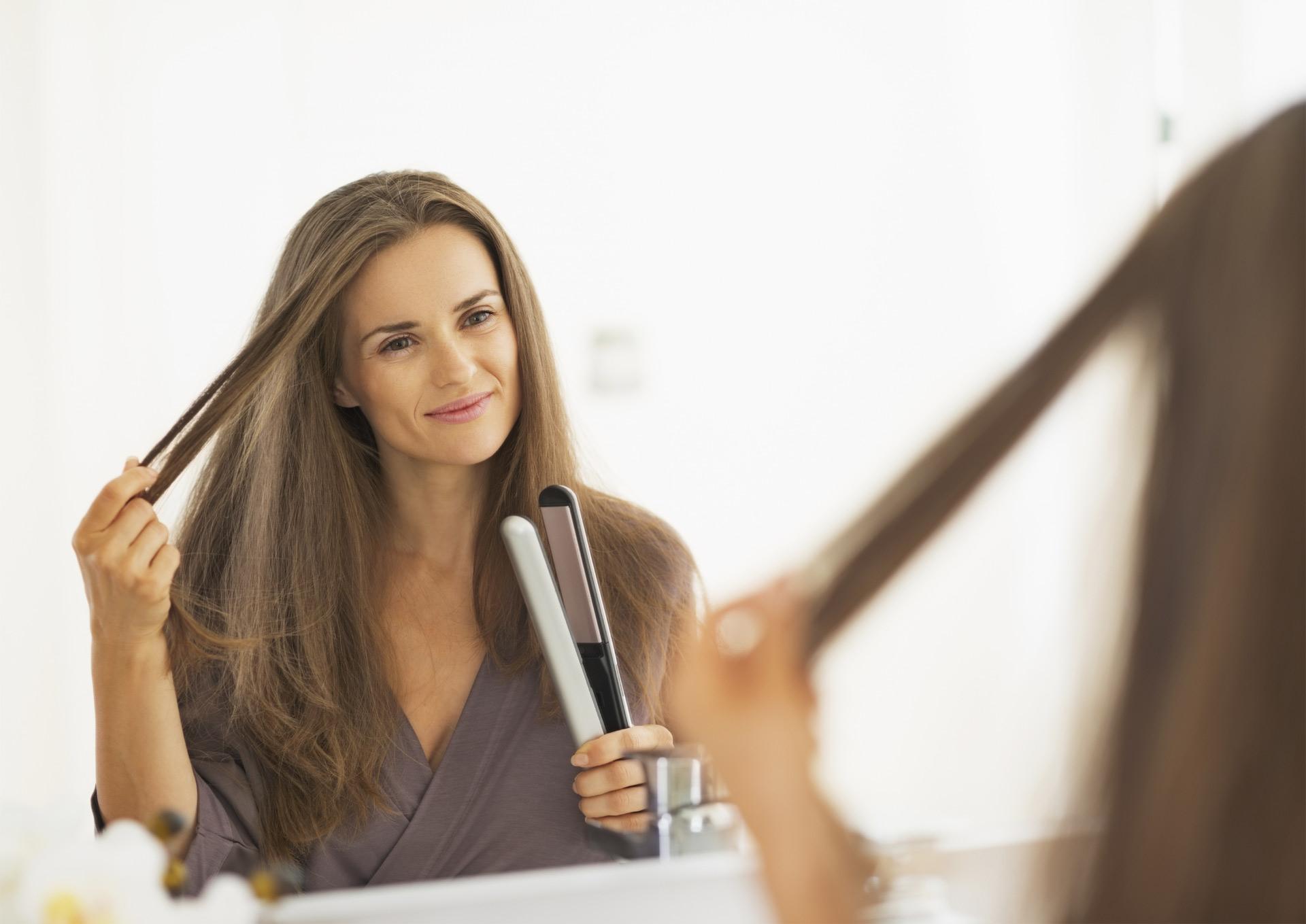 Usar la plancha de cabello no es complicado. Lo difícil es lograr un look natural que no se vea plano. Aprende aquí los trucos para lograrlo