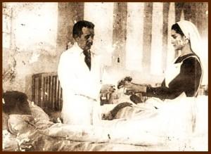 El doctor José Gregorio Hernández atendiendo a uno de sus pacientes.