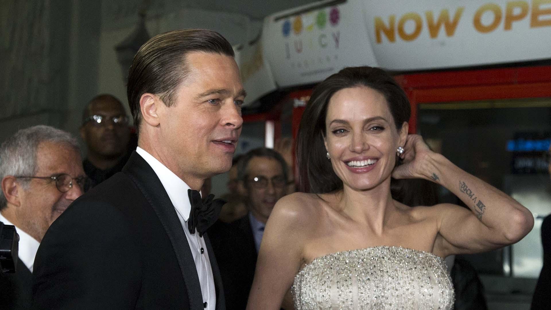 """El evento abrió con la premier mundial de """"Frente al Mar"""" filme de Angelina Jolie que además protagoniza junto a su esposo Brad Pitt"""