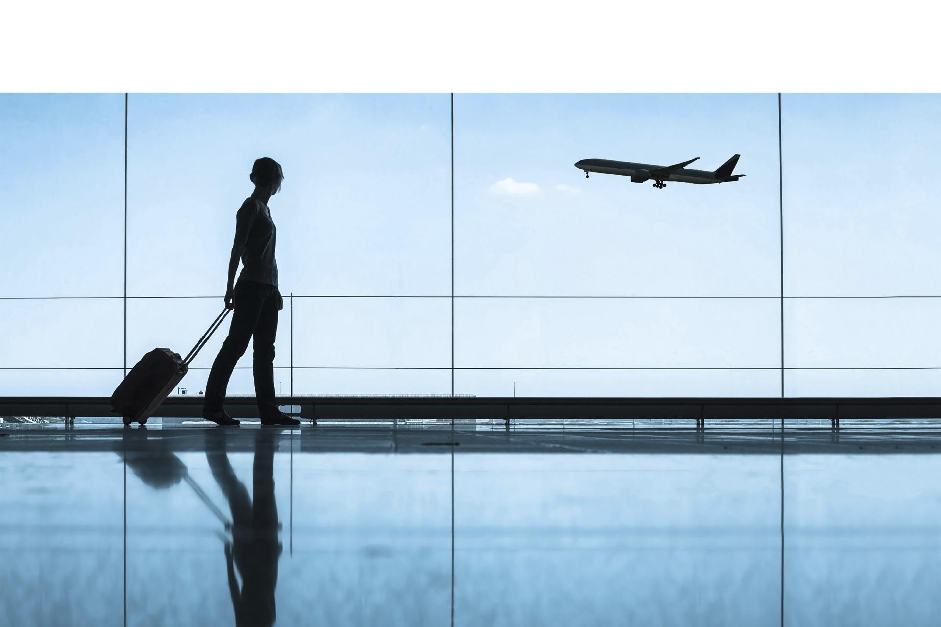 Se recomienda descargar en el celular las aplicaciones de las aerolíneas, ya que permiten rastrear el equipaje y hacerle seguimiento al vuel