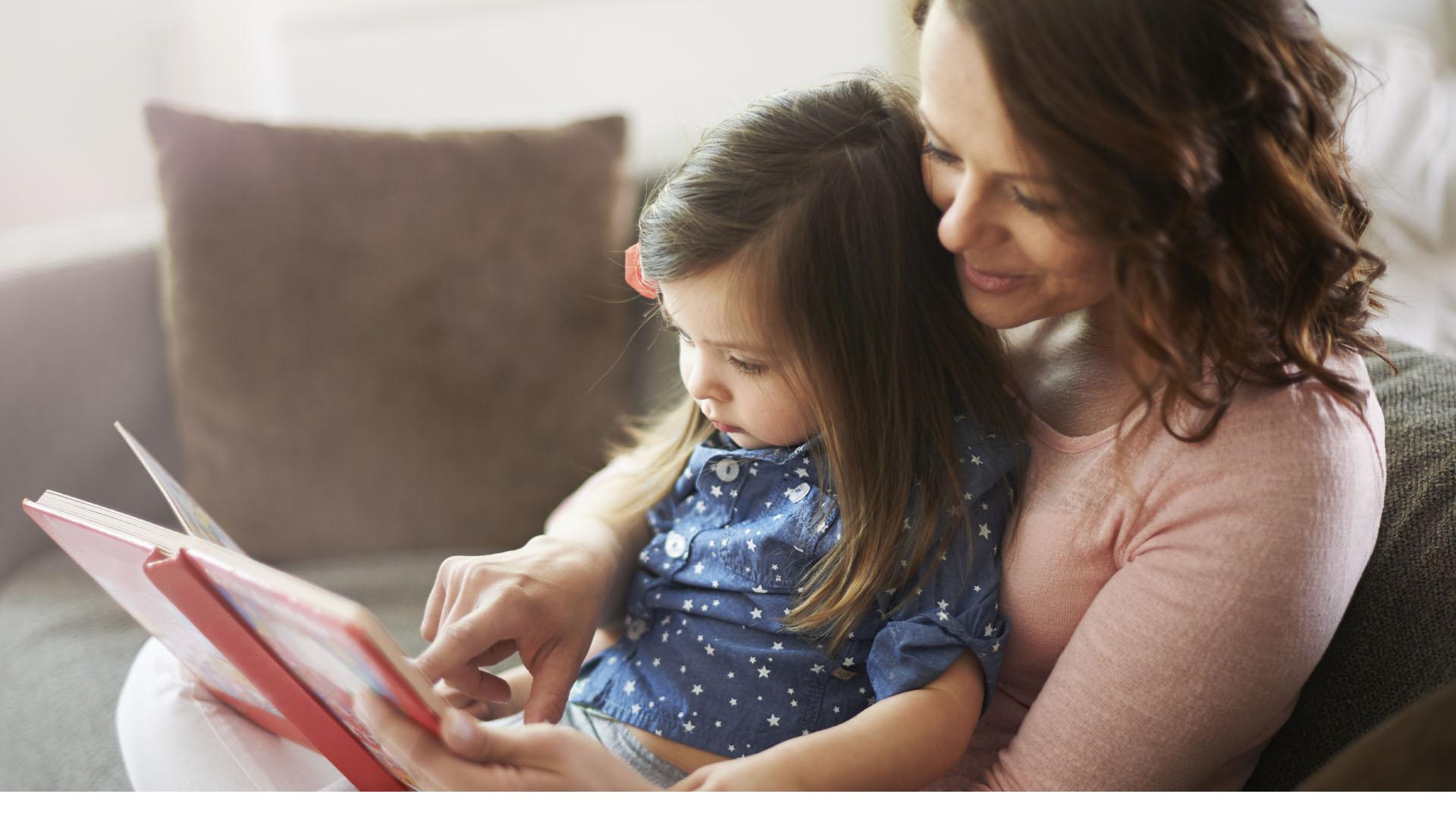 La lectura antes de dormir representa un gran beneficio para el desarrollo neuronal y emocional de los niños