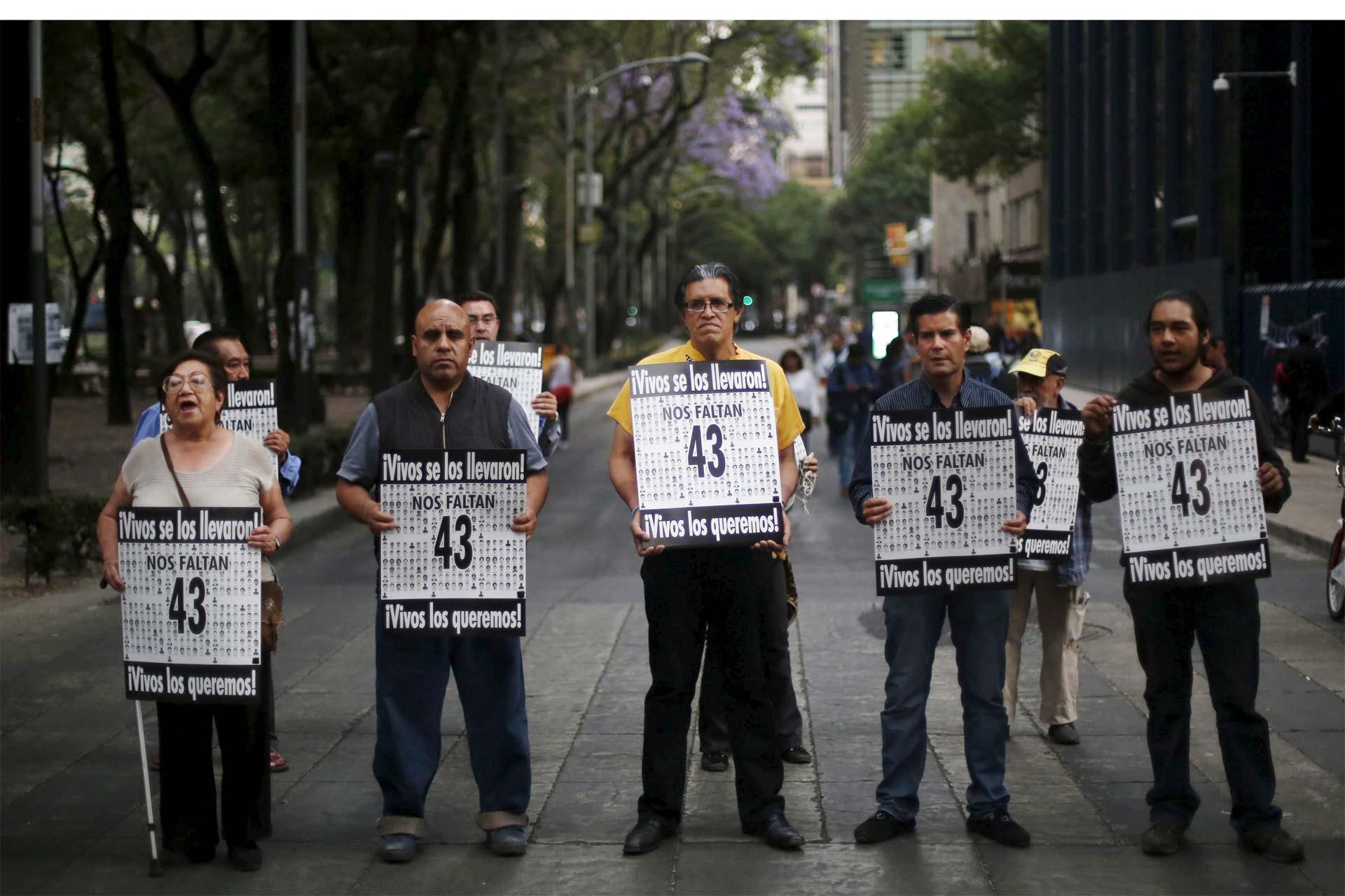 """La película """"Ayotzinapa 26"""" reúne cortos y documentales sobre la misteriosa desaparición de los 46 estudiantes"""