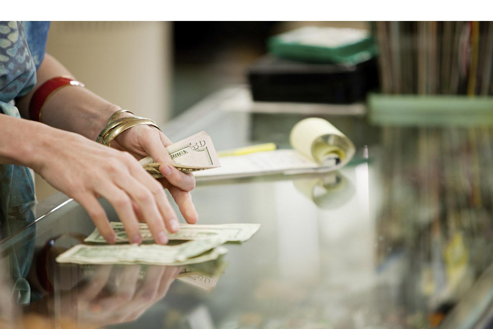 Ambos estados norteamericanos llegaron a un acuerdo con los legisladores respectivos para aumentar 15 dólares la hora
