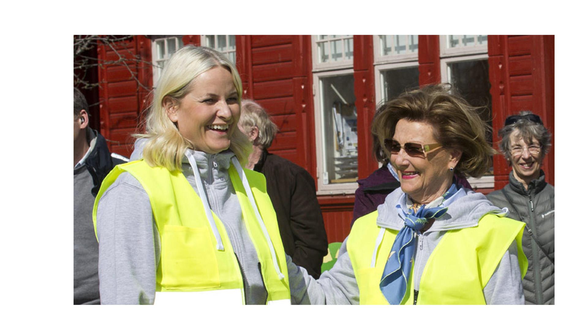 La Princesa y la Reina ayudaron con la limpieza de la ciudad dándole importancia a mantener todo en su lugar