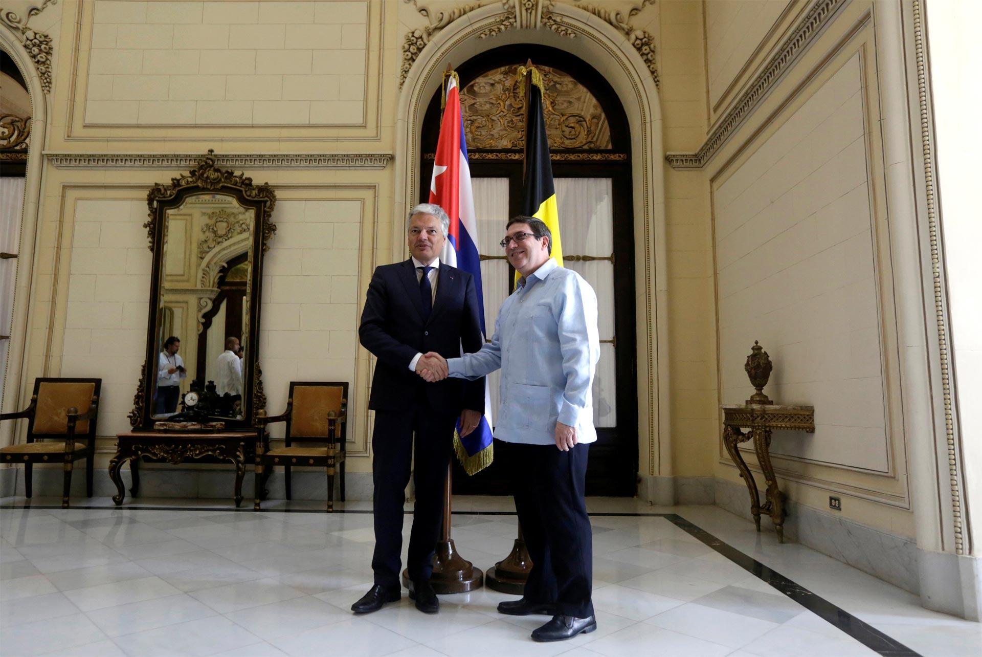 El viceprimer ministro y titular de Exteriores del país europeo se encuentra en la isla y será homenajeado