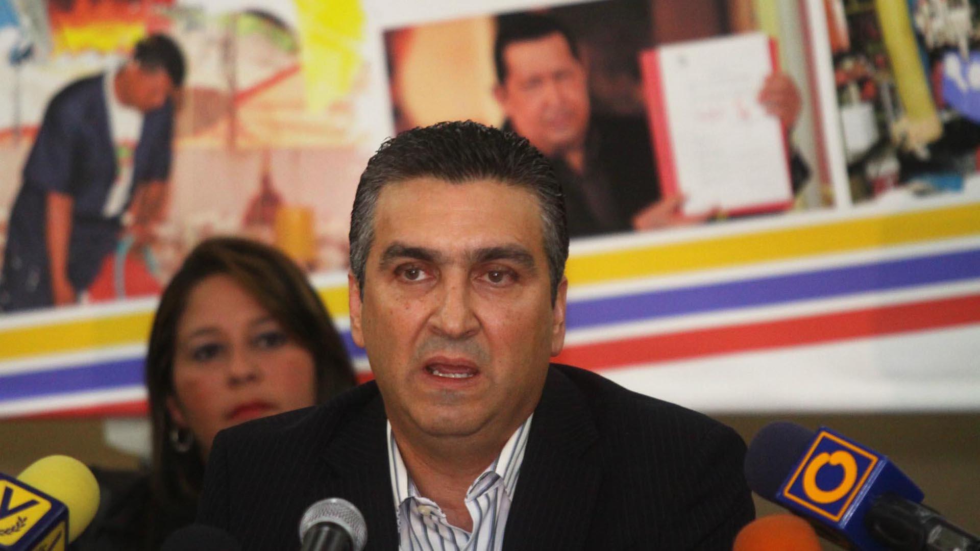 El funcionario público señaló la importancia de los sectores privados para el funcionamiento de la económica del país