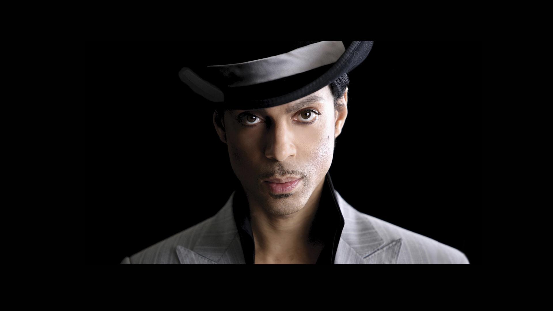 Prince donó dólares a huérfanos