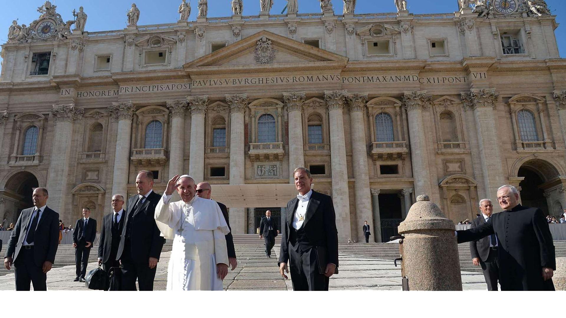 Representante del Vaticano arribará a Venezuela Monseñor Paul Richard Gallagher visitará nuestro país en busca del diálogo