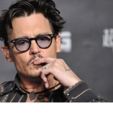 Johnny Deep vende obras de arte