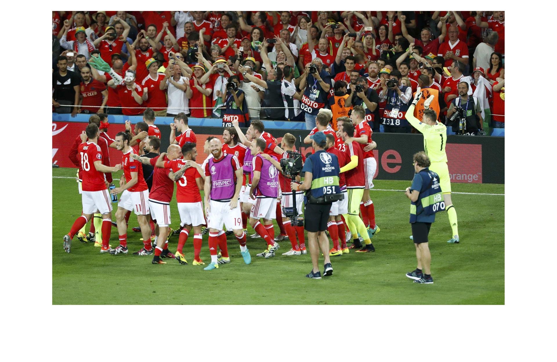 En su primera participación en un Eurocopa, pasó primero de grupo, por delante de Inglaterra