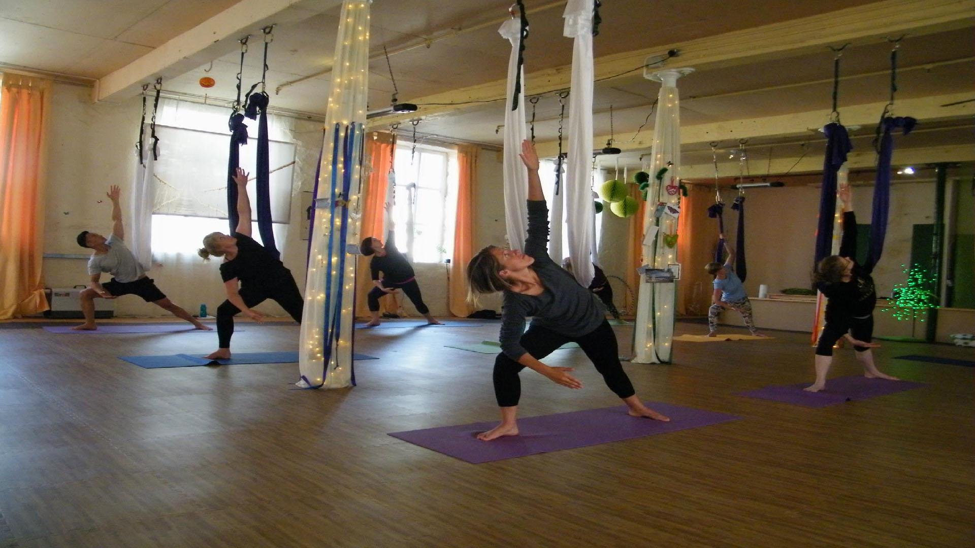 Ayudan a aquellas personas que sufran de problemas de flexibilidad y en la zona lumbar