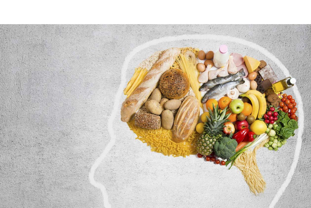 El consumo de espárragos, menta, salmón y otros alimentos aportan los nutrientes necesarios