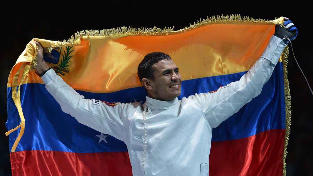 Tras la celebración mundial de la lucha contra el cáncer varios deportistas se sumaron a la causa, entre ellos resaltó el esgrimista venezolano Rafael Limardo