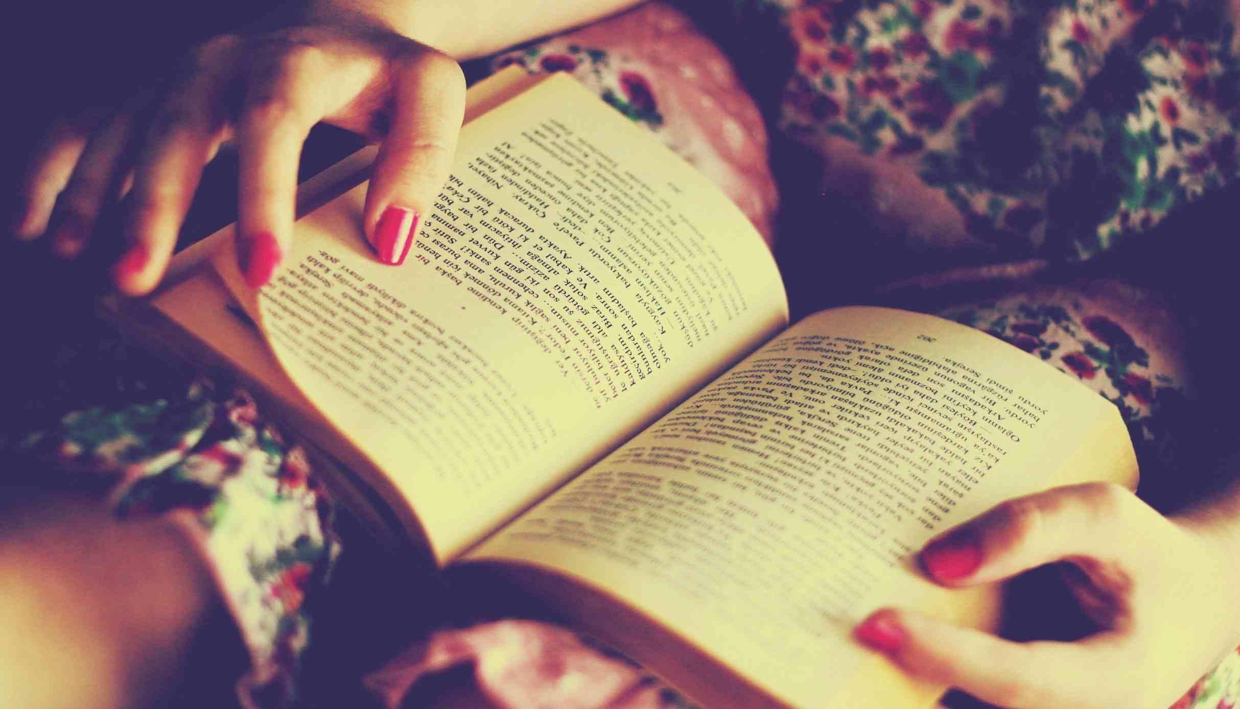 Además de ser divertido, aprenderás y beneficiarás tu salud. ¡A leer se ha dicho!