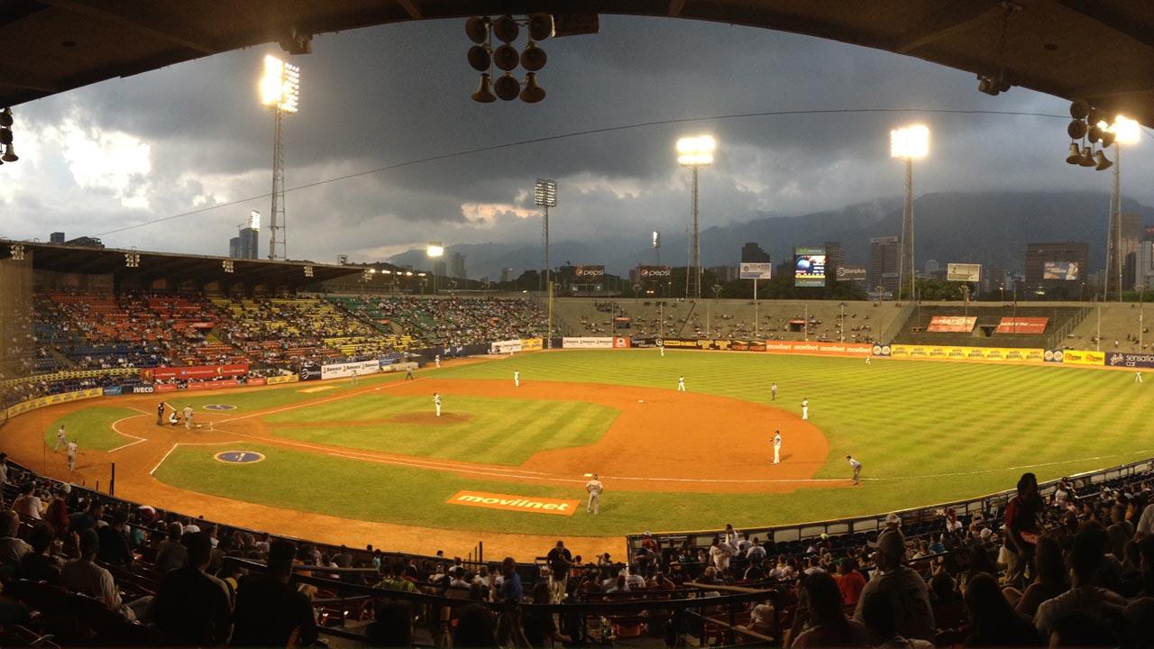 Los jugadores consagrados derrotaron 9-4 a las promesas del beisbol en la edición 2016 del Juego de las Estrellas en el Universitario de Caracas
