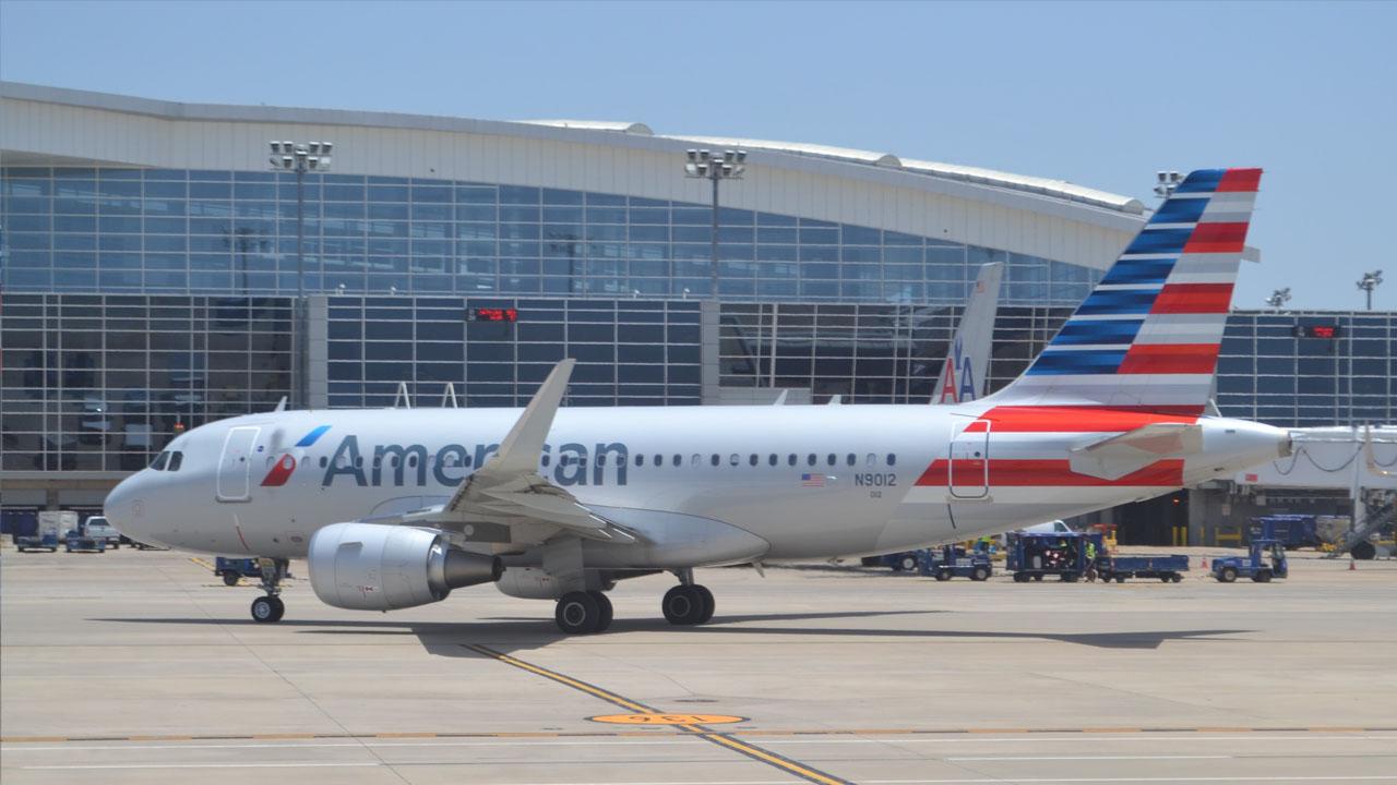Desde Miami salió el primer avión, de American Airlines, que va directo a Cuba luego de 50 años
