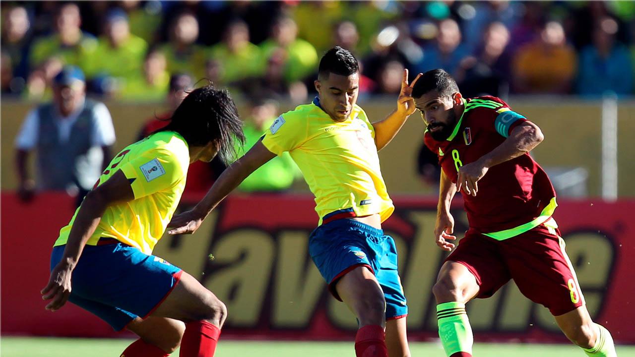 El equipo dirigido por Rafael Dudamel salió derrotado por tres goles en su dura visita a Quito