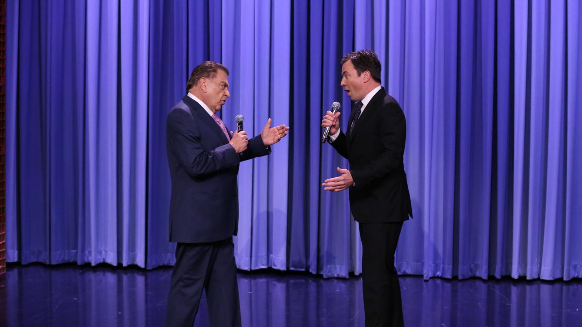 Ambos presentadores cantaron clàsicos americanos