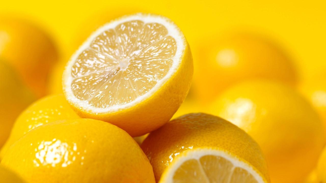 Las propiedades cítricas de esta fruta harán que realmente notes cambios sorprendentes, sólo debes aprender a usarlo y combinarlo con los ingredientes adecuados