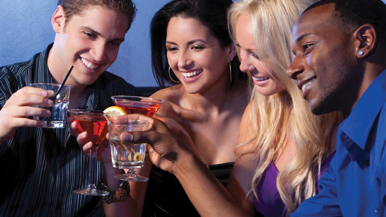 Descubre las bebidas alcohólicas más saludables, para que pases las fiestas sin sentirte culpable