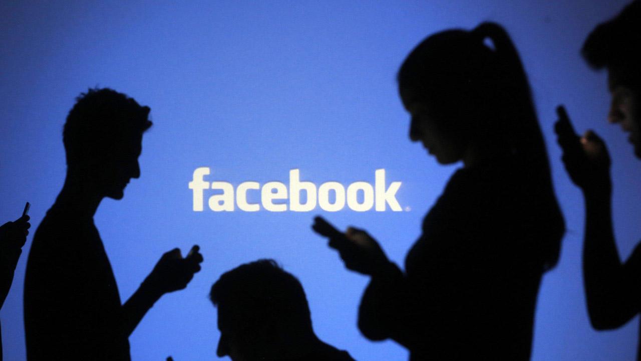 Baja el consumo de Facebook en redes sociales