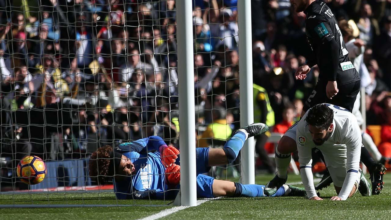 Los dirigidos por Zinedine Zidane salieron victoriosos por 5-0 frente al Granada en la jornada 17 de la Liga Española