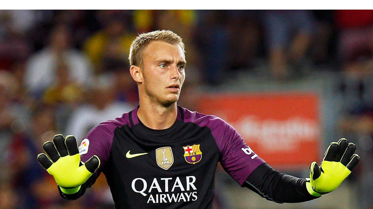 Gracias a la gran noche del holandés, y al gol de Suárez, el conjunto catalán logró llegar hasta la última ronda del torneo