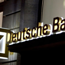 Deutsche Bank aumenta capital con alta suma