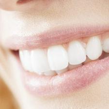Elimina la placa dental al natural