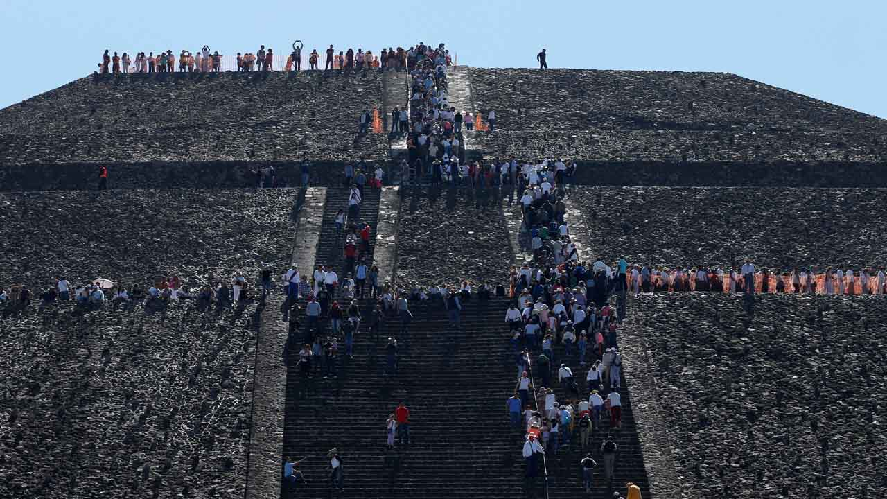 Las pirámides del Sol y la Luna fueron el escenario de rituales para las buenas energías