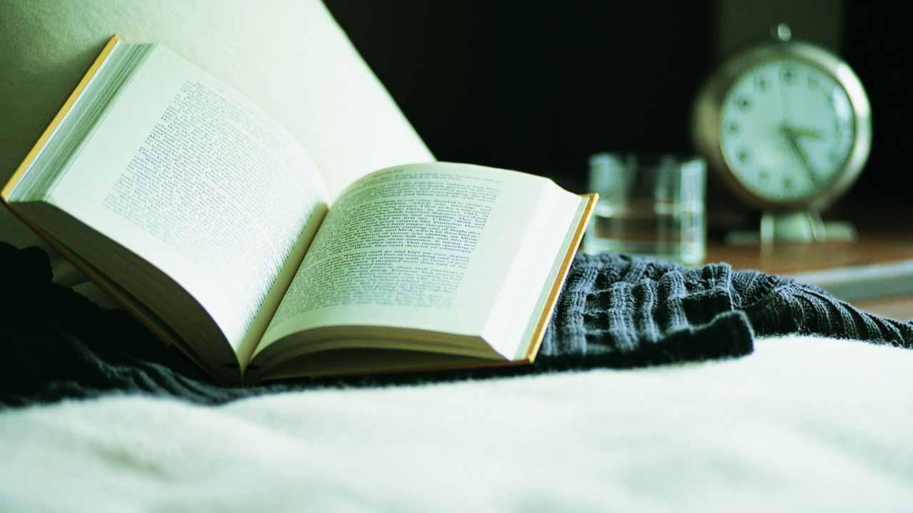 Leer un libro, hacer ejercicio y convivir con los seres queridos, permiten que el cuerpo se relaje y tener un mejor sueño