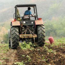 Ejecutivo firmó acuerdos turísticos y agroalimentarios