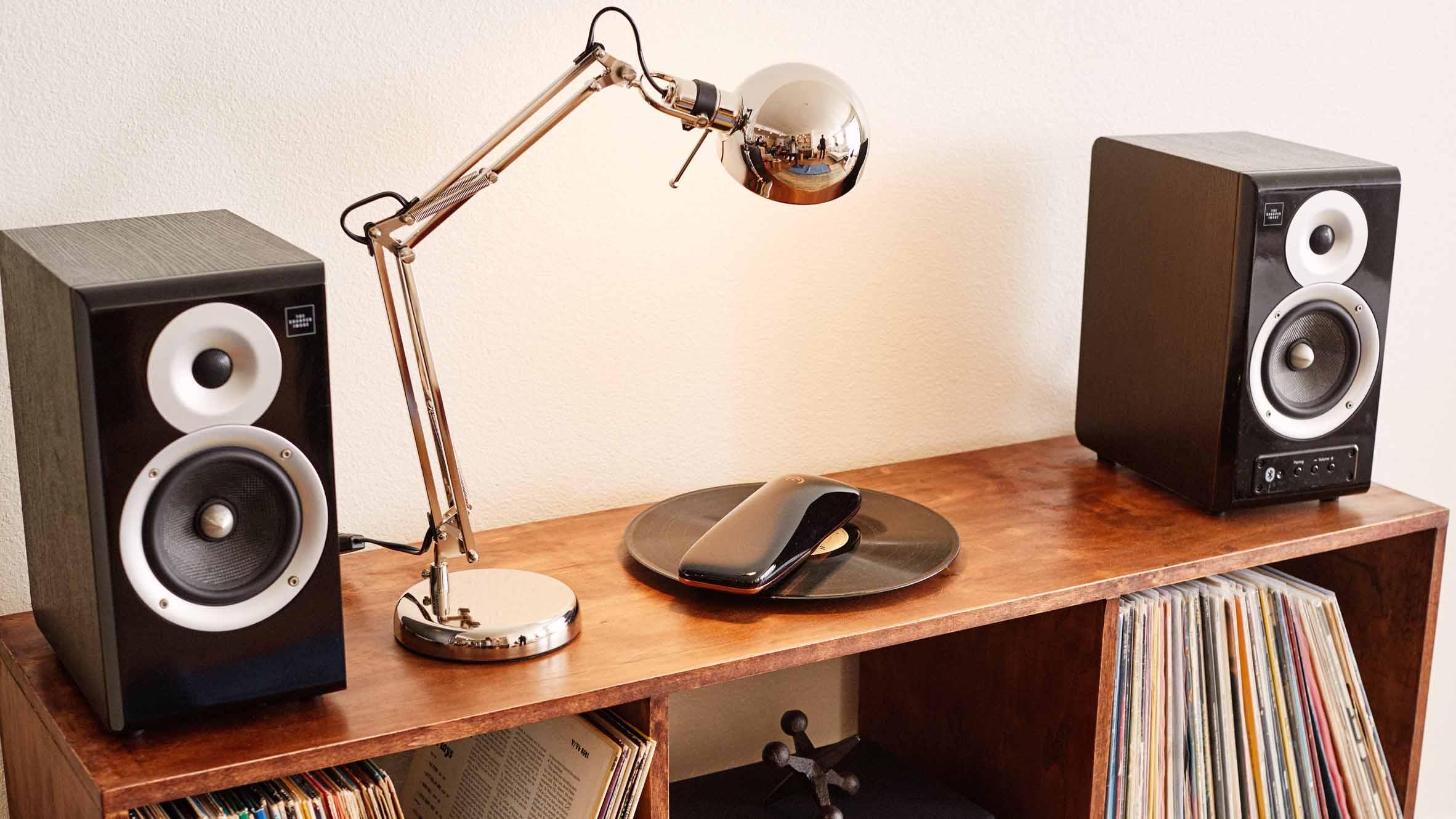 El dispositivo puede leer cualquier tamaño de disco, examinarlo y determinar el número de pistas que incluye