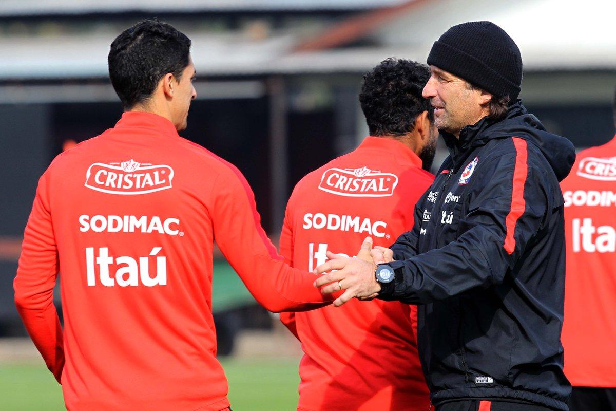 El plantel que dirige Juan Antonio Pizzi no está completo, pues aún faltan por sumarse figuras como Vidal y Sánchez