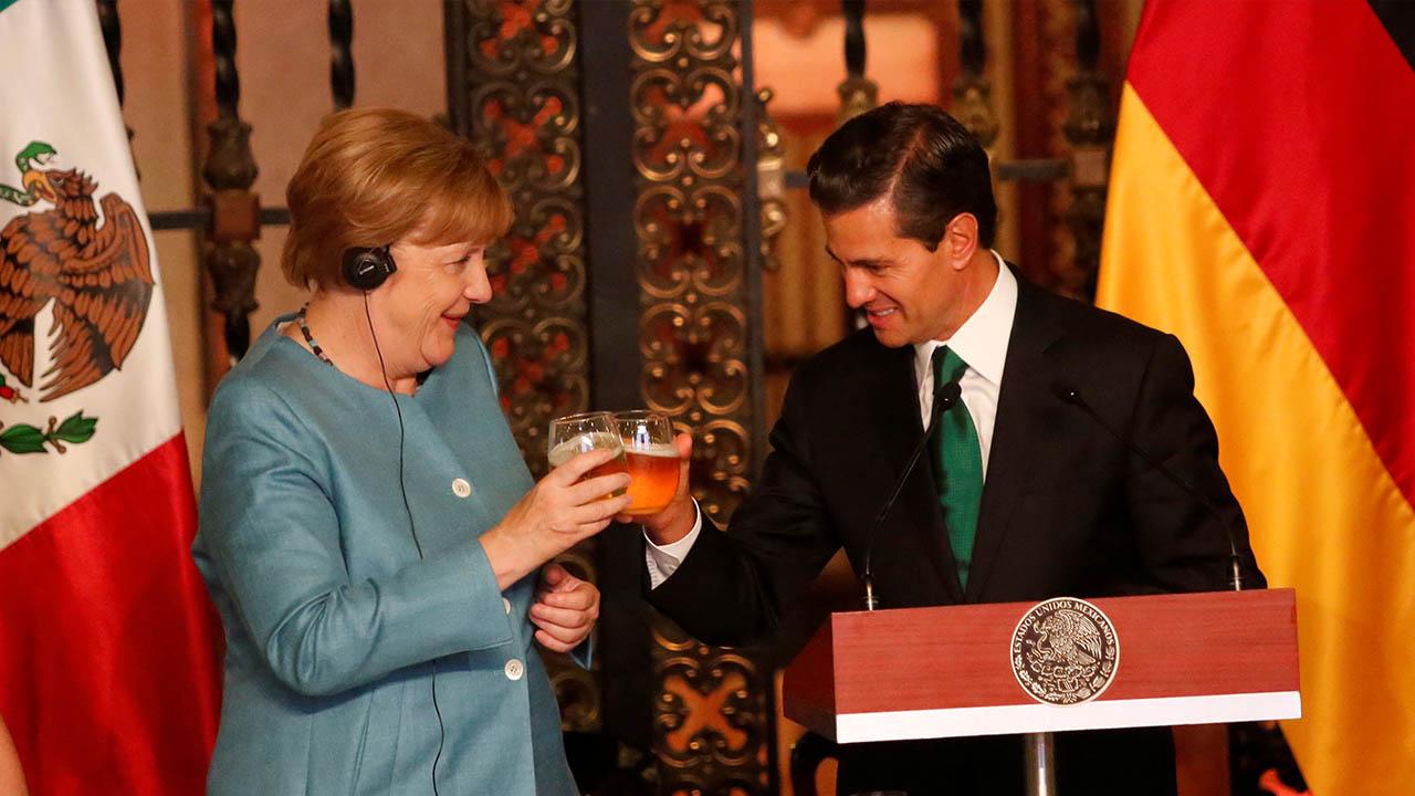 """Este hecho, suscitado en un brindis entre ambos mandatarios podría ser """"el primer brindis que se realiza entre dos jefes de Gobierno con cerveza"""""""