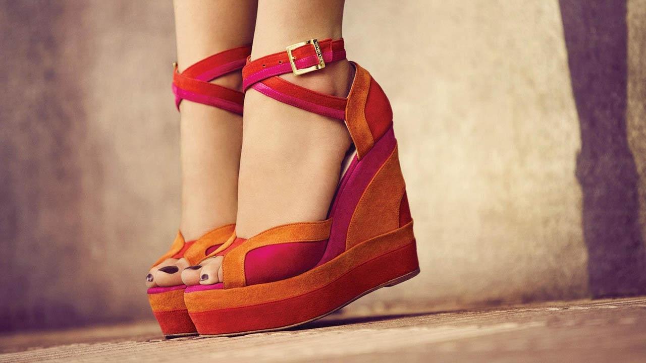 Mujer japonesa crea los zapatos paloma