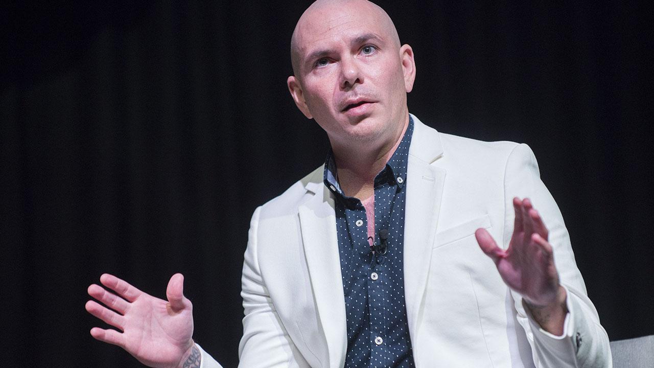 Pitbull motiva a emprendedores tecnológicos