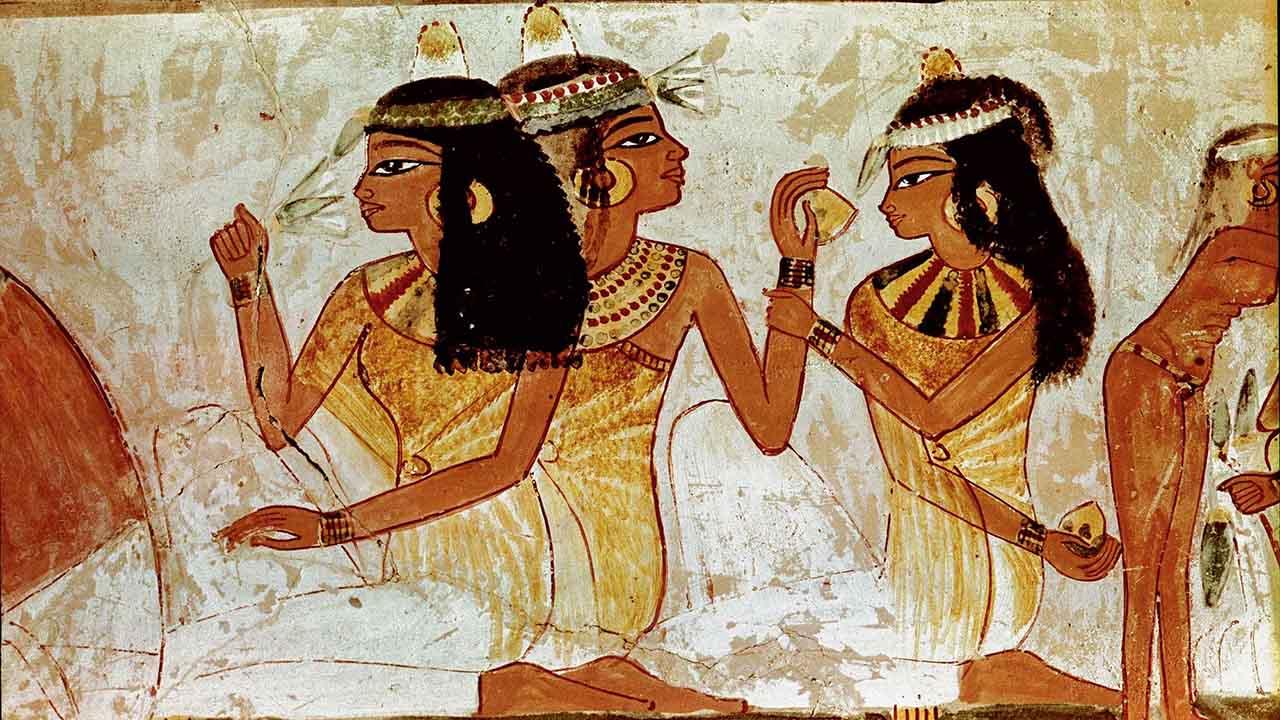 En la cultura egipcia la melena tenía un carácter invaluable y buscaban tenerla en las mejores condiciones