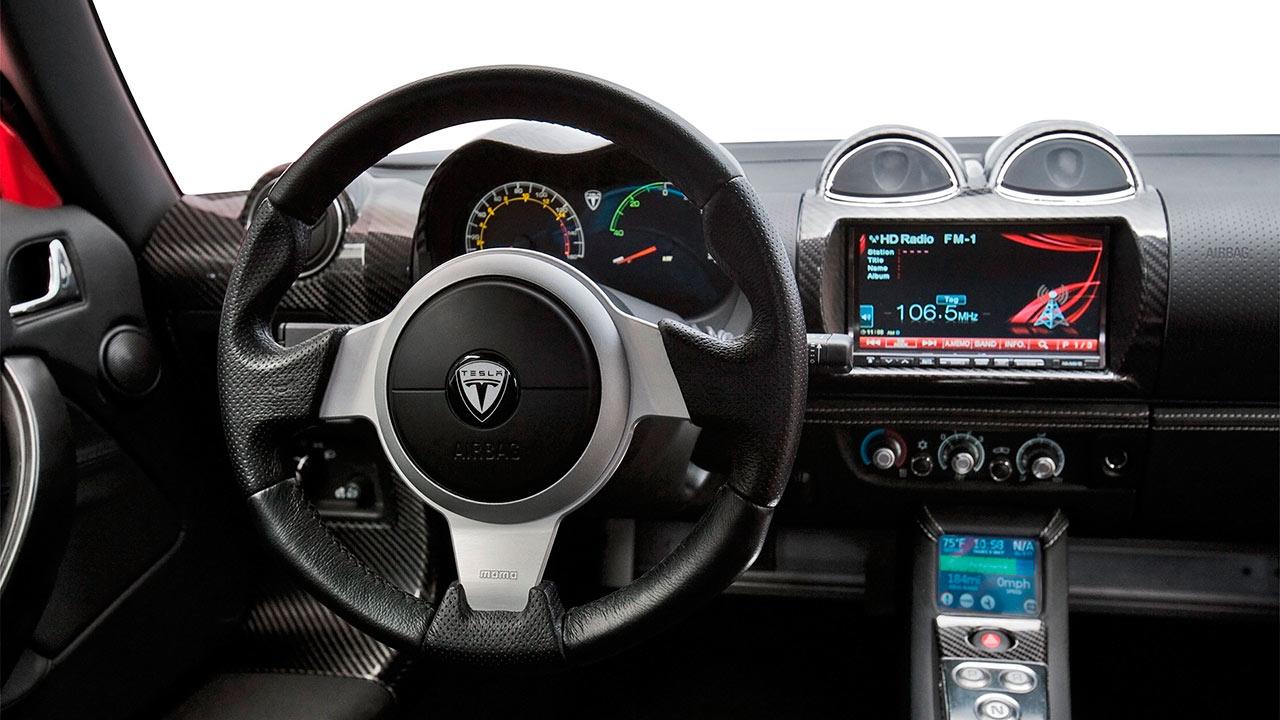 Los vehículos diseñados por el sudafricano Elon Musk podrían incluir este servicio de manera exclusiva