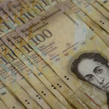 Prorrogan vigencia del billete de 100 bs