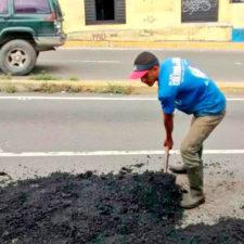 Reparan calles en El Hatillo