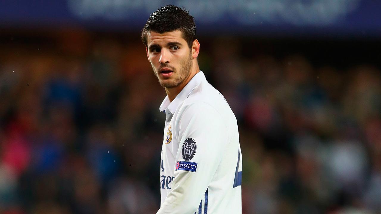 El Real Madrid confirmó el traspaso del delantero, que formará parte del club ingles una vez pase el reconocimiento medico
