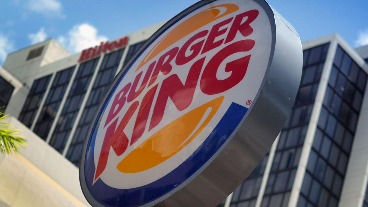 La popular cadena de comida rápida se ajusta a los nuevos tiempos y ofrecerá otra forma de pago a sus clientes