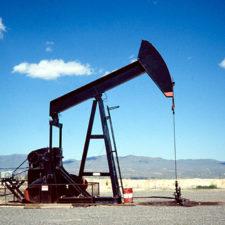 La Opep y sus aliados se comprometieron a producir 43,87 millones de barriles diarios