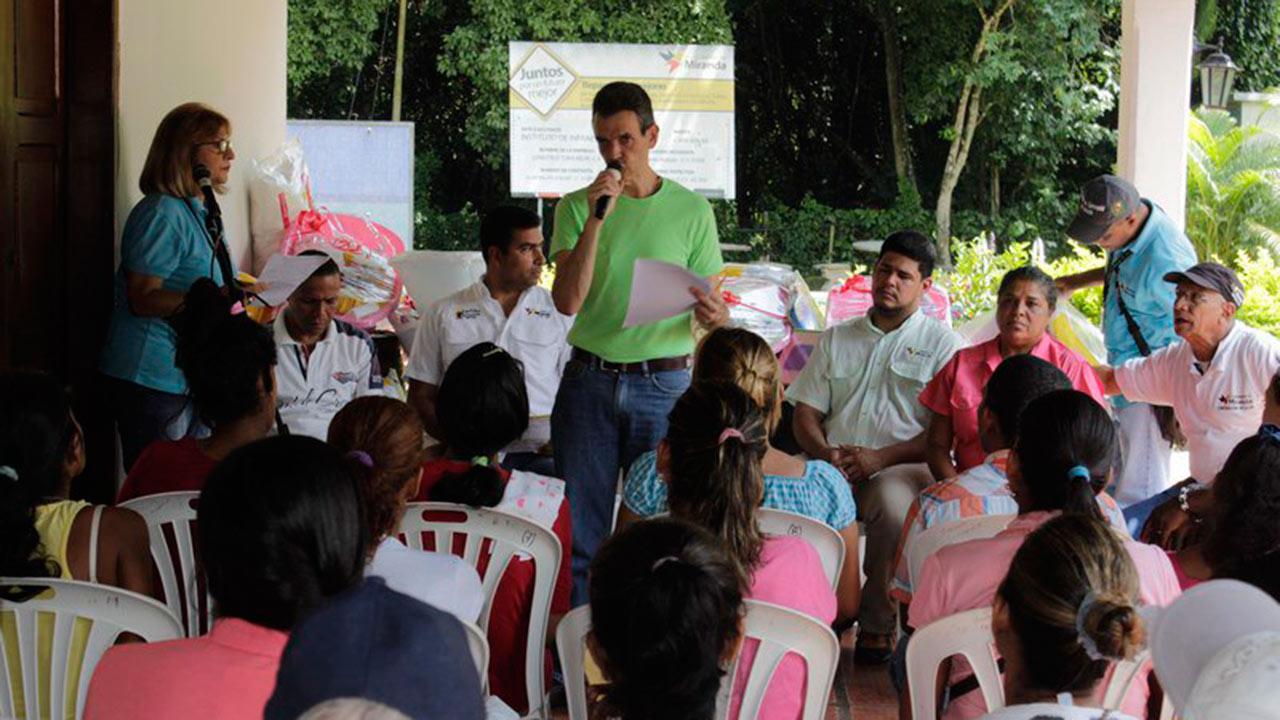 Más de 100 personas de Ocumare del Tuy fueron beneficiadas por la gobernación del estado tras ser afectadas por las lluvias